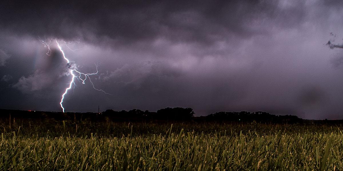Elektrizität im Fertighaus – Gefahren und Schutzmaßnahmen