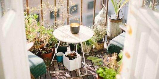 richtige-bodenbelag-fuer-den-balkon